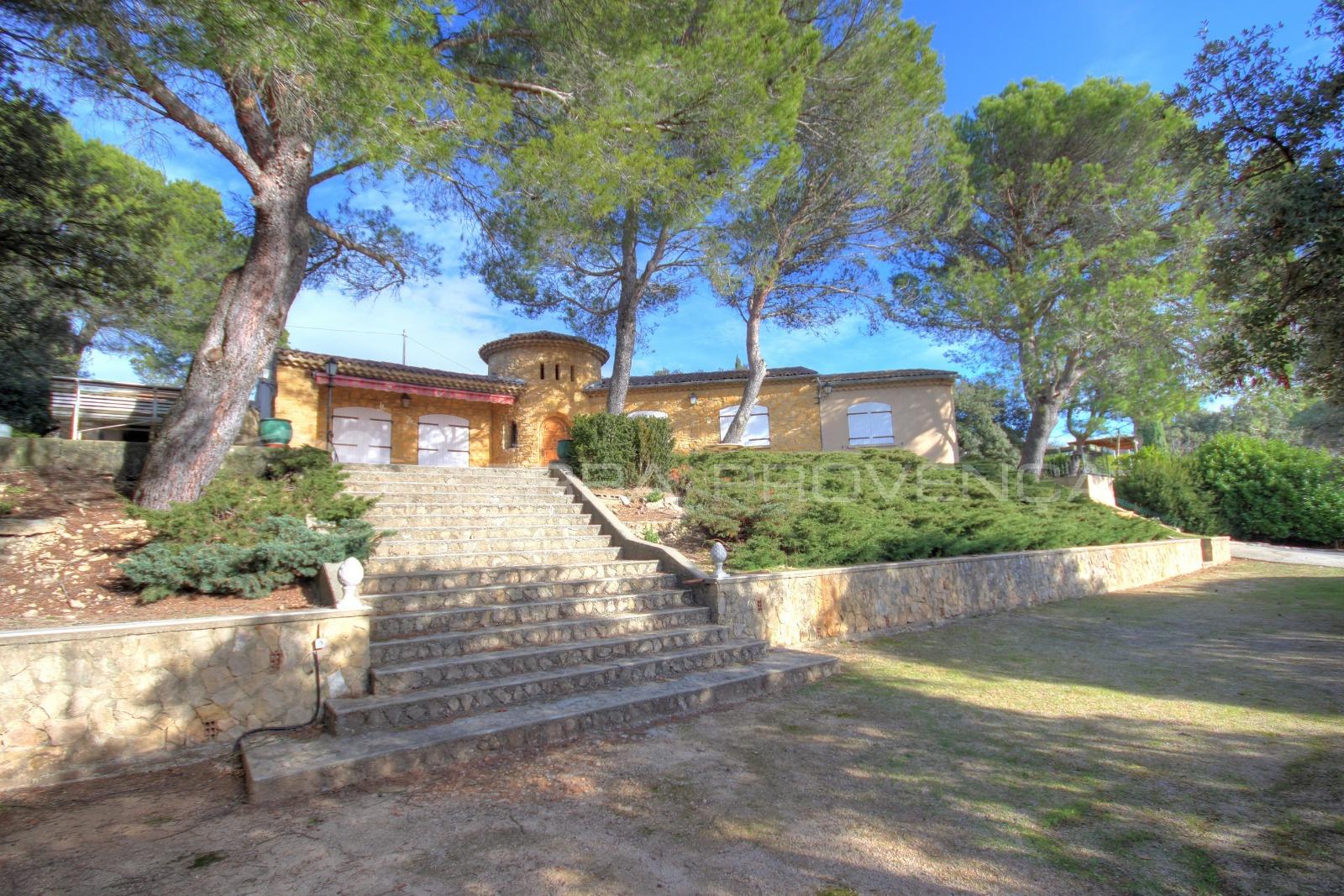 Villa A Vendre Entre Jonquieres Et Courthezon